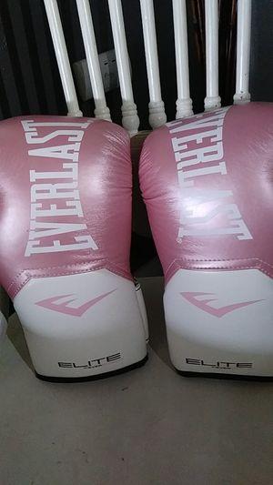 Elete boxing everlast gloves for Sale in Long Beach, CA