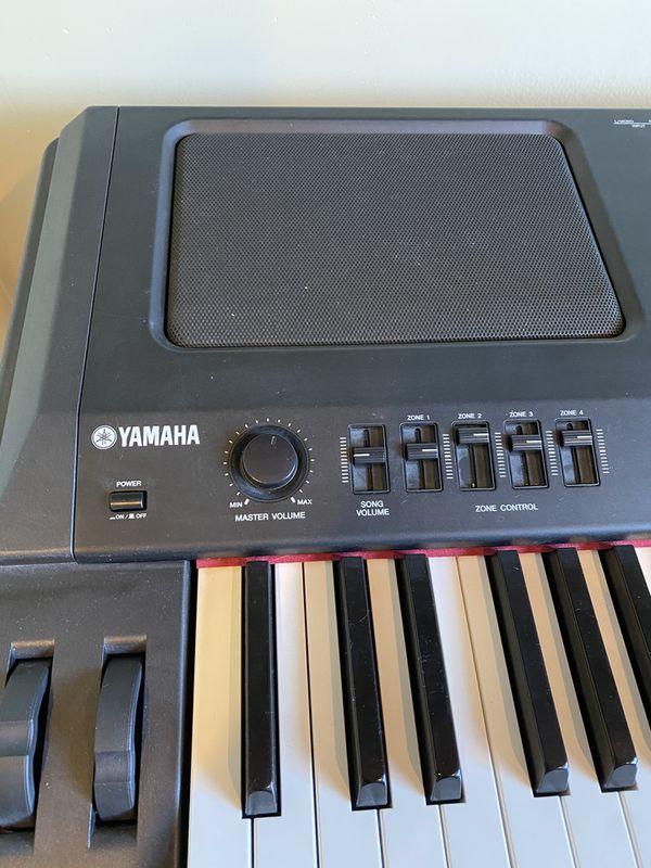 Yamaha stage piano CP -300