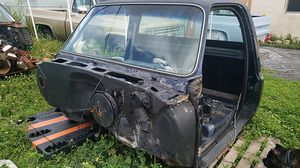 1986 chevy C10 parts & cab for Sale in Miami, FL