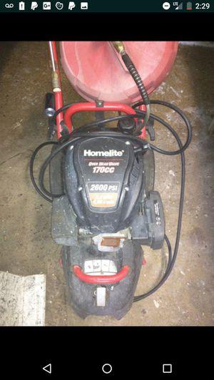 Used HOMELITE 2600 PSI 170 cc 2.4 GPM pressure washer o.b.o for Sale in Tampa, FL