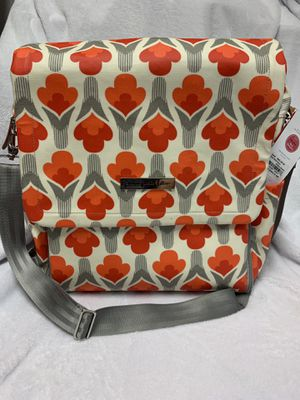 NWT Petunia Pickle Bottom Boxy Diaper Bag for Sale in Tomball, TX