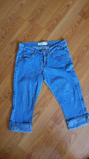 Levi's curvy boot cut capri for Sale in La Mirada, CA