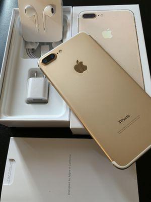 iPhone 7 Plus gold 128gb unlocked (desbloqueado para todas las compañías) for Sale in Rosemead, CA
