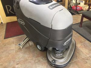 """Floor scrubber advance 32"""" very good condition for Sale in Houston, TX"""