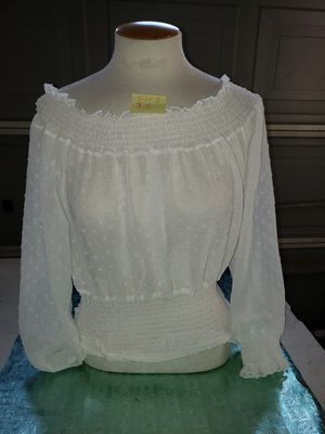 size S white top for Sale in Bakersfield, CA