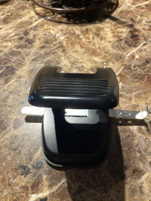 Hole paper punch 1 dollar for Sale in Orlando, FL