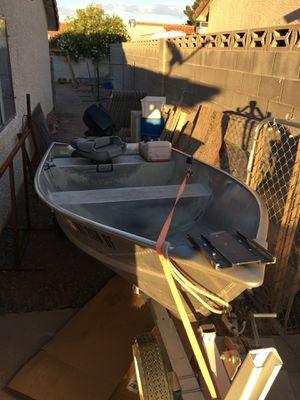 12ft crestliner boat for Sale in Henderson, NV