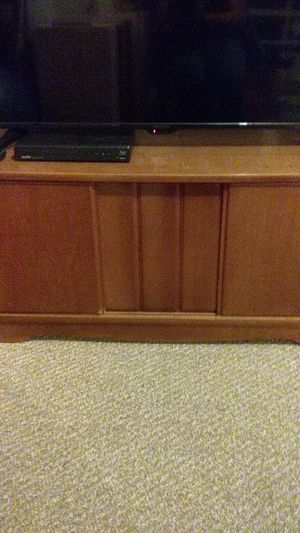 Vintage TV stand / Coffee Table for Sale in Saint Charles, MO