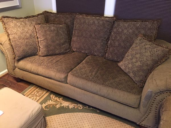 Couch & love seat set, very comfy; reversible cushions & pillows