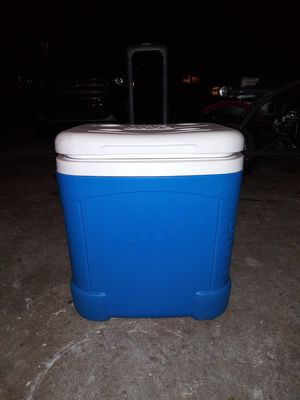 Igloo cooler cube for Sale in Smyrna, TN