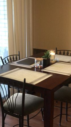 Extendable Dining Table for Sale in Silver Spring,  MD