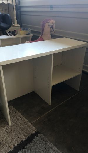 Small kids desk or shelf for Sale in Lake Stevens, WA