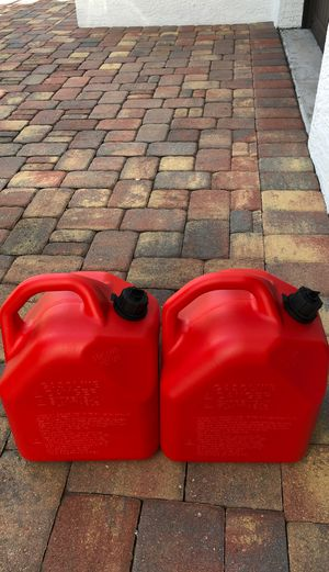 5 gal gas tanks (set of two) for Sale in Miami, FL