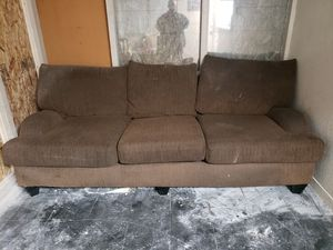 Free couch for Sale in Clovis, CA