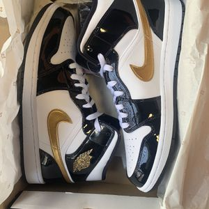 Nike Air Jordan 1 Patent Black/ Gold/ White for Sale in Frederick, MD
