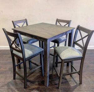 Brand new 4 chair counter height dining table for Sale in Houston, TX