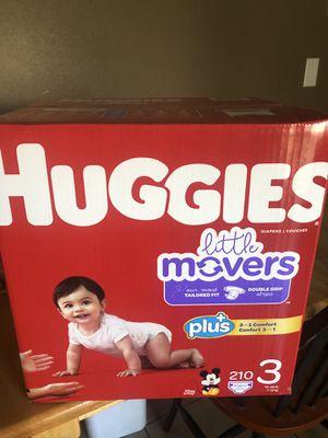 HUGGIES LITTLE MOVERS 210 DIAPERS SIZE 3 SUPER LARGE BOX for Sale in Tacoma, WA