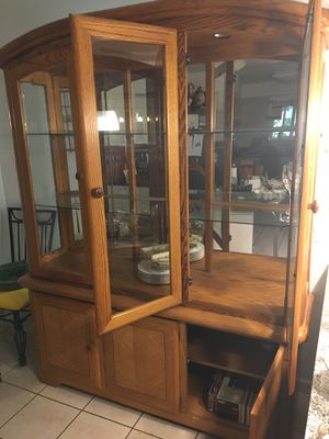 Antique Hutch 2 Piece Cabinet Set (Maple Wood Finish) for Sale in Fresno, CA