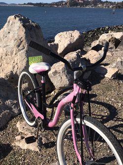 Cruiser Bike Good Condición for Sale in San Pablo,  CA
