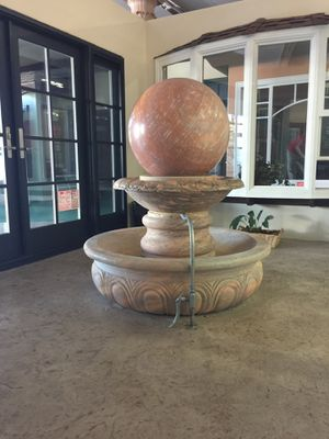 """4.5' tall Floating granite 26"""" ball fountain for Sale in Rancho Cucamonga, CA"""
