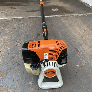 Like New Stihl HT-103 Extendable Gas Pole Saw for Sale in Fort Lauderdale, FL