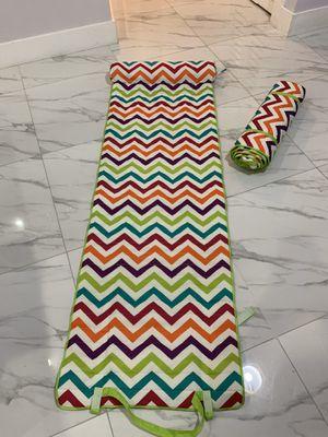 2 mats for Sale in Miami, FL