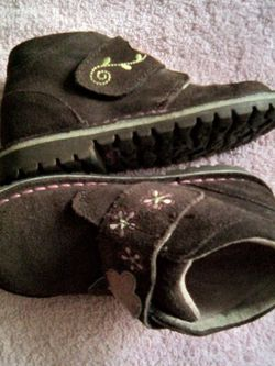 Stride Rite Shoes Size 8.5 for Sale in Los Angeles,  CA