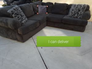 Couch for Sale in Chula Vista, CA