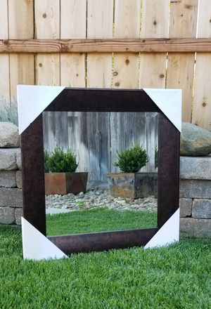 """Beautiful Wall Mirror 29 1/2"""" x 29 1/2"""" Square (brand new) for Sale in Manteca, CA"""