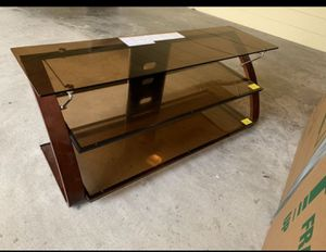 tv stand. Mesa para tv for Sale in Dallas, TX