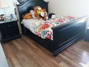 Wood Queen bed with mattress for Sale in Phelan, CA