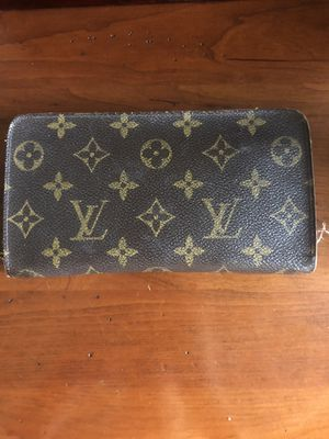 Louis Vuitton Monogram Women's Zipper Wallet for Sale in Riverside, CA