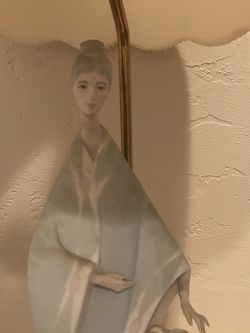 Antique Lady Figurine Lamp for Sale in Irwin,  PA