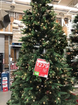 Christmas tree for Sale in Palmdale, CA