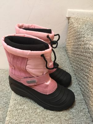 Snow Boots, girls size 4 (see description) for Sale in San Diego, CA