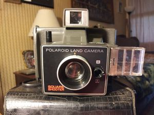 Polaroid Land Camera in leather case with original booklet! for Sale in West Deptford, NJ