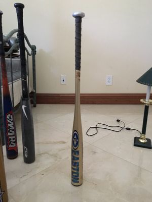 hold baseball bat for Sale in South Miami, FL