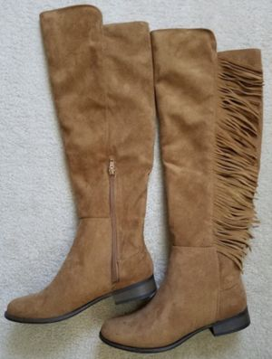 Womens Knee Boots Tan Leather w/Fringe New Size 8 for Sale in Yorkville, IL