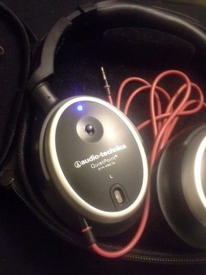 Audio-Technica noise cancelling headphones, Great condition for Sale in Poway, CA