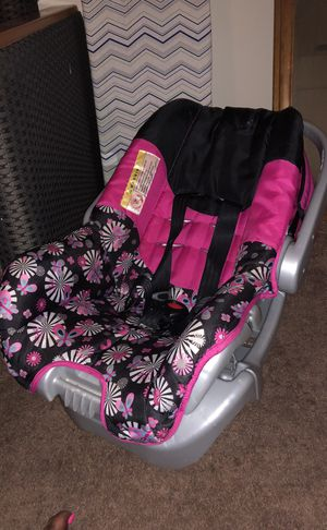 Baby Bath & Car Seat for Sale in Princess Anne, MD