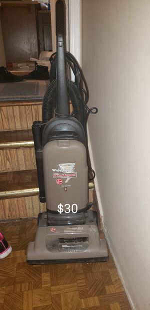 HOOVER BAGLESS VACUUM for Sale in Redford Charter Township, MI