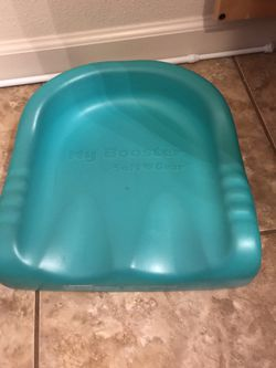 Booster seat for Sale in Salinas,  CA