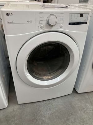 LG 7.4 cu. ft. Smart White Gas Vented Dryer with Sensor Dry (Part of Set) for Sale in Whittier, CA