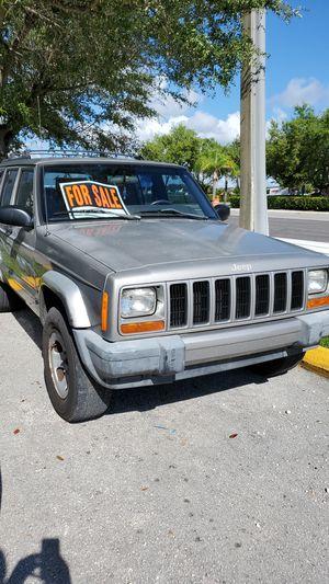 Jeep Cherokee XJ 2001 for Sale in Miami, FL