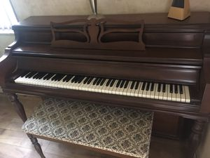 Piano Excellent condition for Sale in Lake Worth, FL