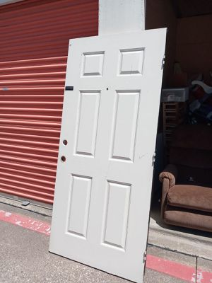 Puerta delantera 32 inch $$40 for Sale in Irving, TX