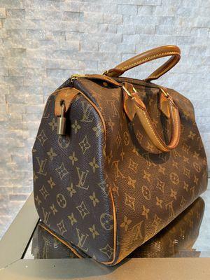 Louis Vuitton TH1006 Duffel bag for Sale in Miami Beach, FL