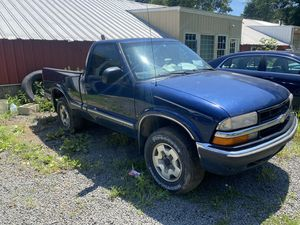 99 Chevy S10 4WD part out for Sale in New Britain, CT