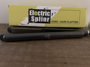 Brand New Flat iron/hair straightener for Sale in Virginia Beach, VA