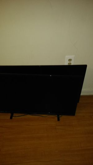 Two tvs 250$ 32 inches for Sale in Washington, DC
